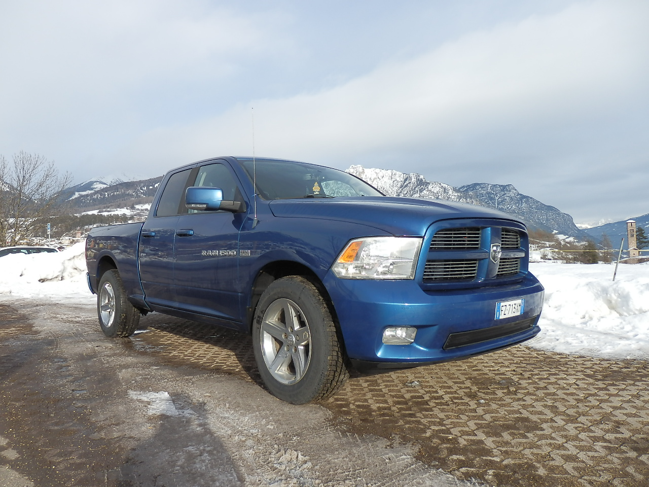 Dodge - RAM 1500 - Km 205700 - Euro 24800